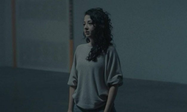 """Elza Releases Music Video for """"Swayed"""""""