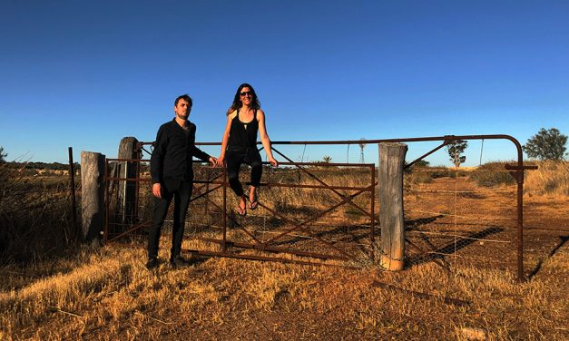 """POWDER FOR PIGEONS: The Alternative Rock power duo from Down Under with new album """"Over & Out"""" on European tour"""