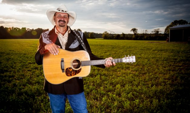 Country Singer Richard Lynch Honored With American Patriot Award