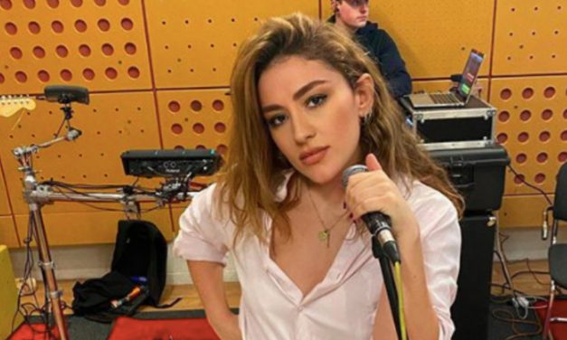 Giulia Prepares For Something Big Whilst Covering Miley Cyrus On Instagram