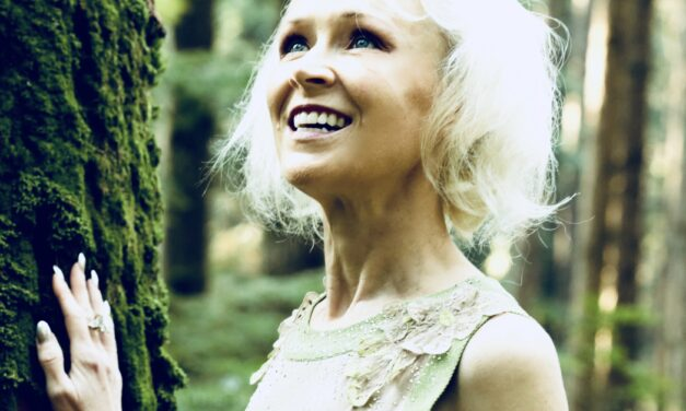 """Canada's Robyn McCorquodale releases rich new single """"We Fly Together or We Don't Fly At All"""""""